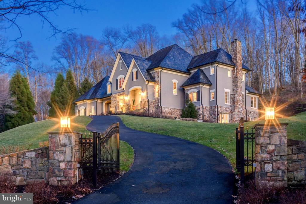 Night View - 1049 BROOK VALLEY LN, MCLEAN