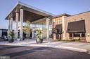 Springfield Town Center is mins away ! - 6255 CASDIN DR, ALEXANDRIA