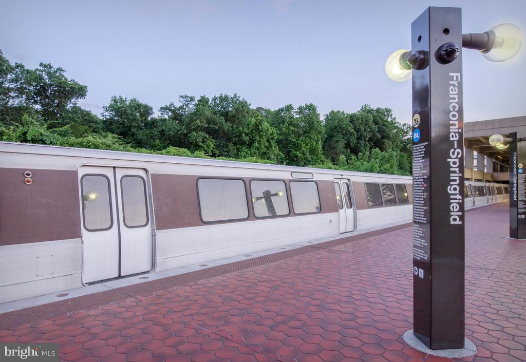 Franconia/ Springfield Metro is mins away - 6255 CASDIN DR, ALEXANDRIA