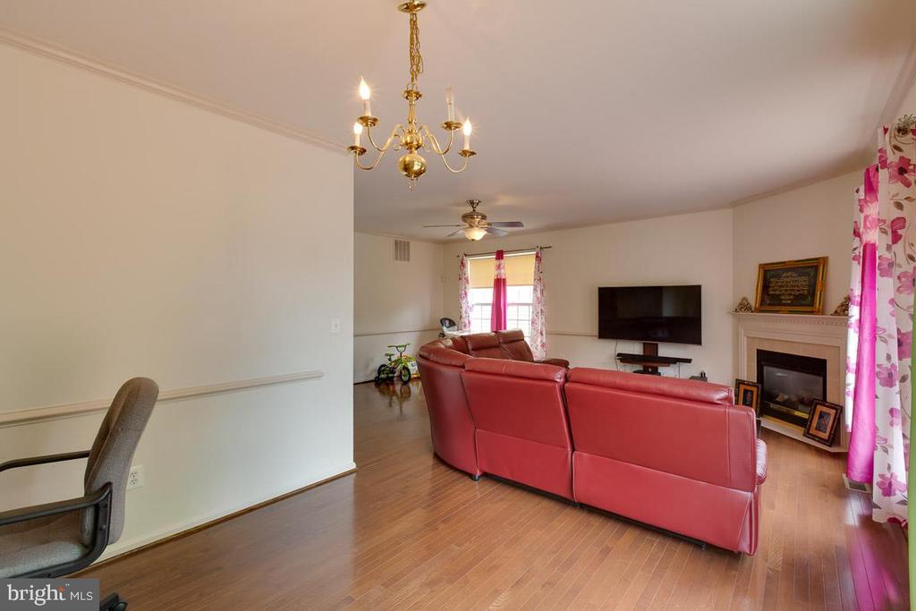 Looking Toward Your Large Living Room - 13169 THRIFT LN, WOODBRIDGE