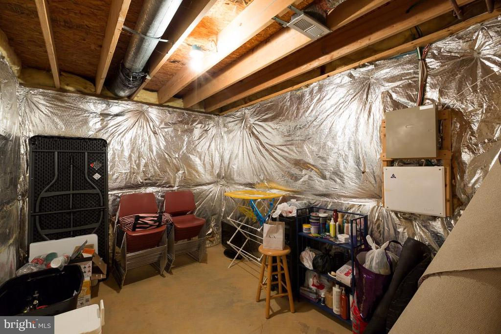 Large Storage Room - 13169 THRIFT LN, WOODBRIDGE