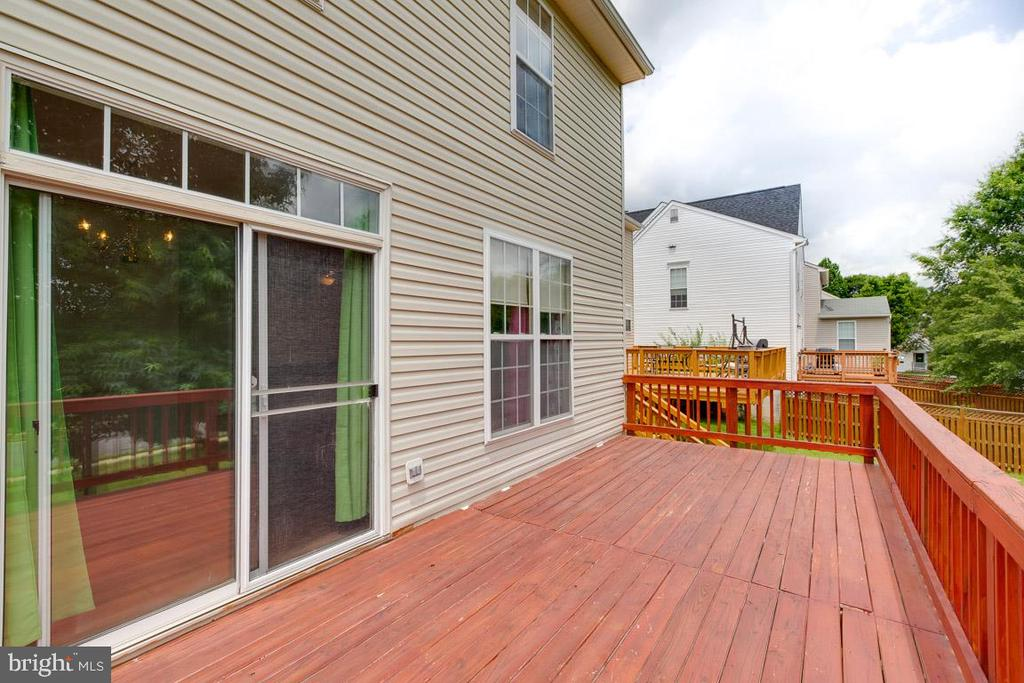 Large Deck - 13169 THRIFT LN, WOODBRIDGE