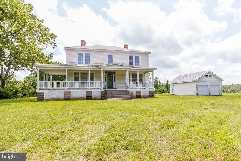 Single Family Homes pour l Vente à Dunnsville, Virginia 22454 États-Unis