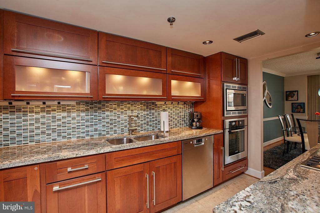 Lighted cabinets and under cabinet lights - 1276 N WAYNE ST #418, ARLINGTON