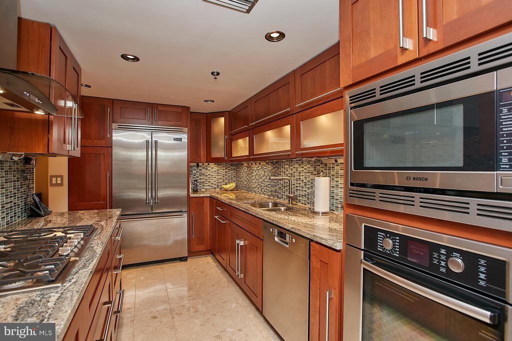 High end stainless steel appliances - 1276 N WAYNE ST #418, ARLINGTON