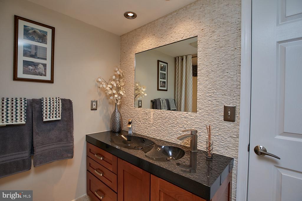 Double sinks - 1276 N WAYNE ST #418, ARLINGTON