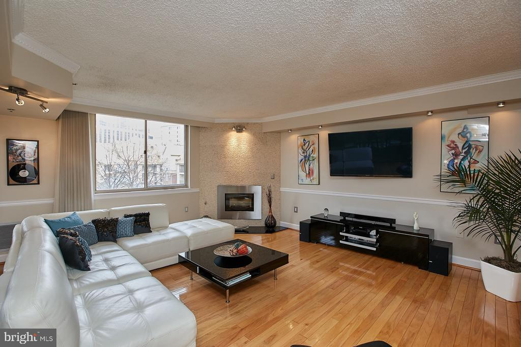 Beautiful hardwood floors - 1276 N WAYNE ST #418, ARLINGTON