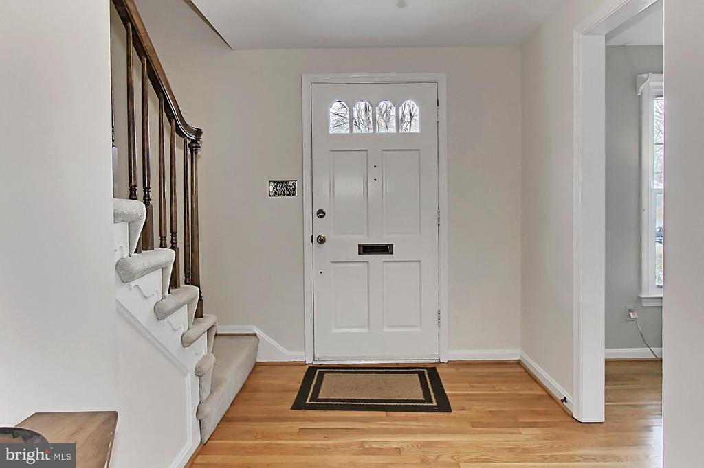 Foyer - 8235 TOLL HOUSE RD, ANNANDALE
