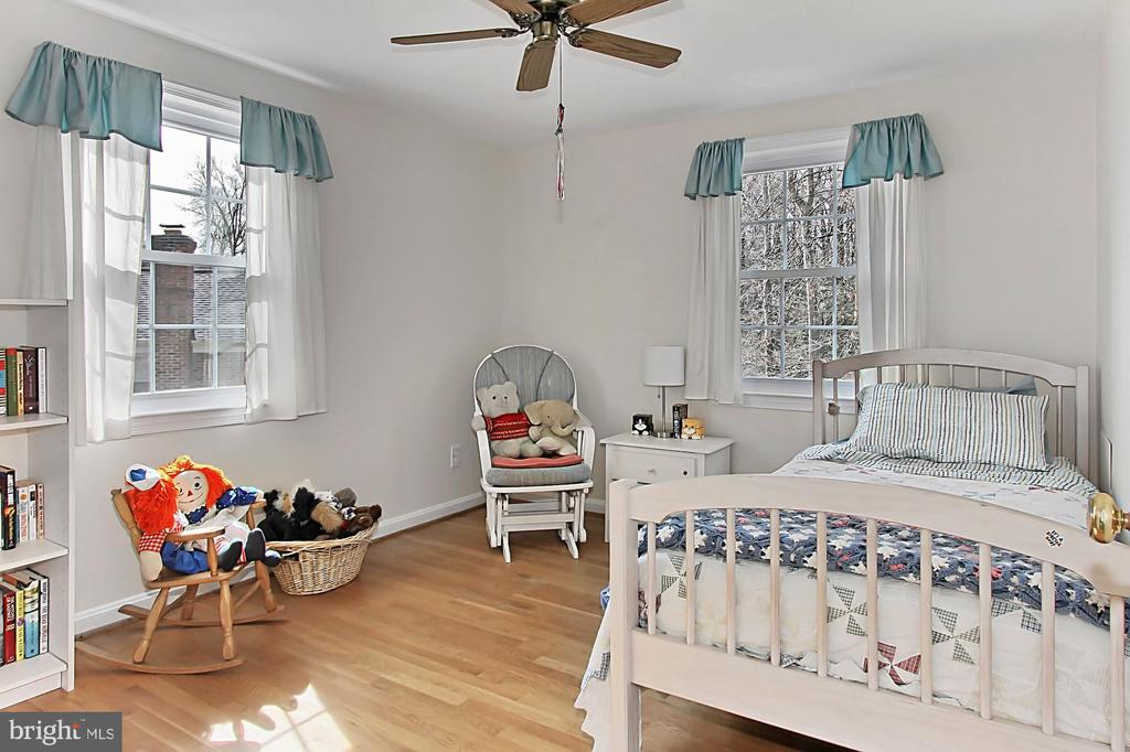 4th bedroom - 8235 TOLL HOUSE RD, ANNANDALE