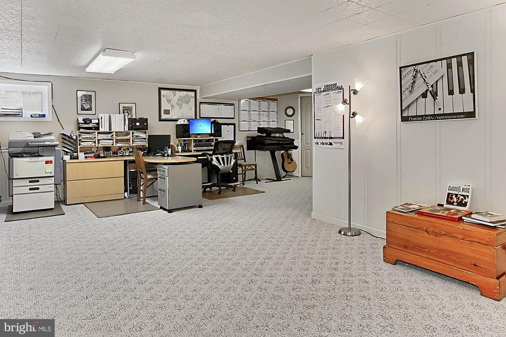 Recreation room - 8235 TOLL HOUSE RD, ANNANDALE