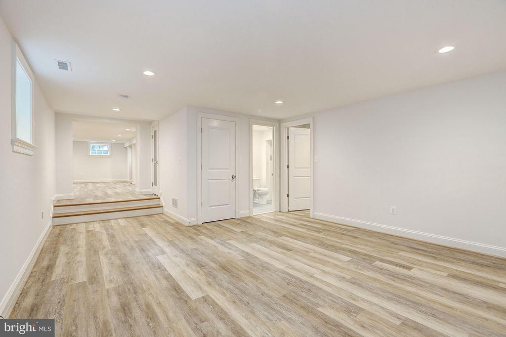 Recreation Room - 12 HESKETH ST, CHEVY CHASE