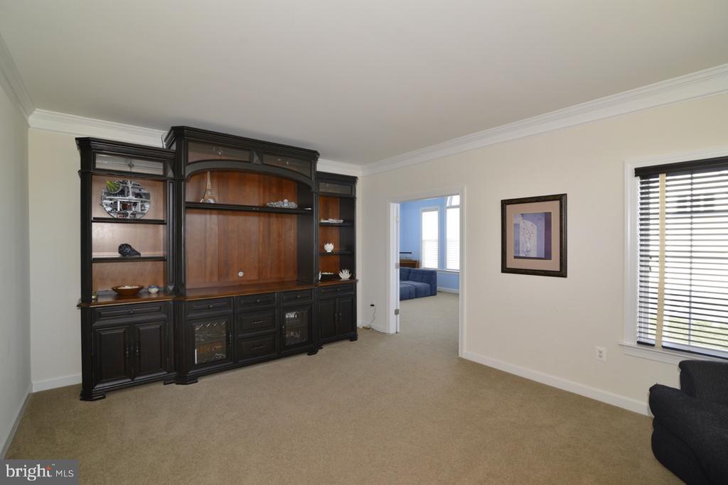 Living Room to Conservatory - 22333 PASTURE ROSE PL, BROADLANDS