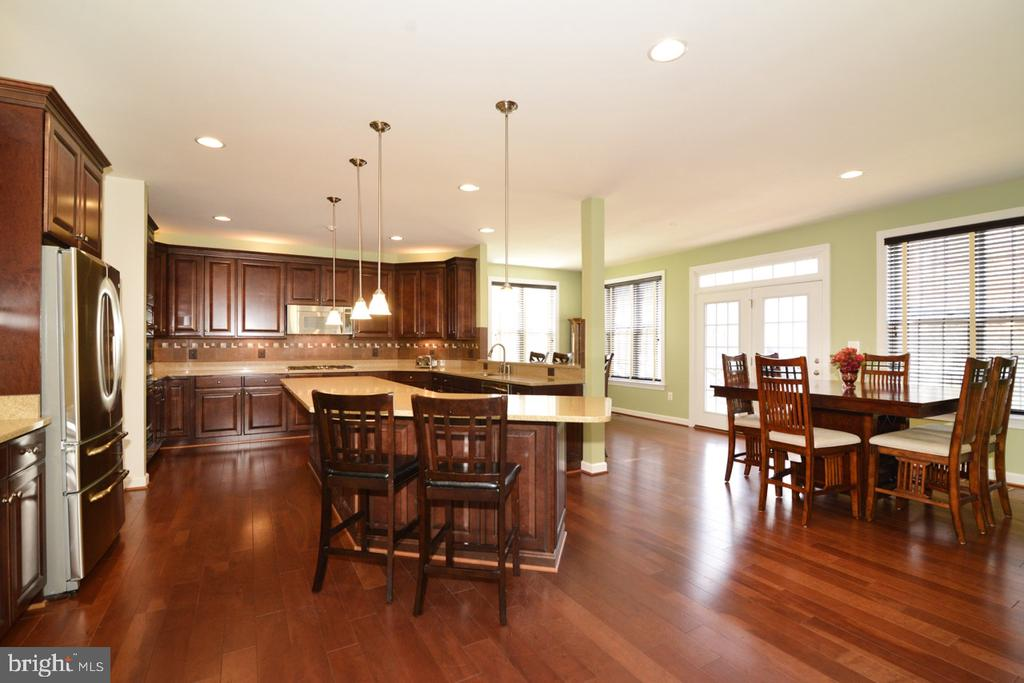 Kitchen to Breakfast Room - 22333 PASTURE ROSE PL, BROADLANDS
