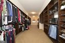 Huge Walk-in Closet with Custom Shelving - 22333 PASTURE ROSE PL, BROADLANDS