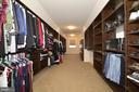Huge Walk-in Closet with Custom Shelving - 22333 PASTURE ROSE PL, BROADLANDS