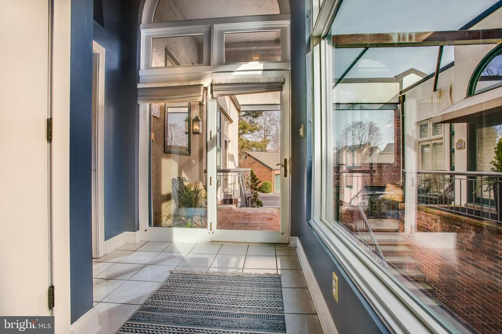 Entrance Foyer with NEW Double Pella windows. - 717 KENMORE AVE, FREDERICKSBURG