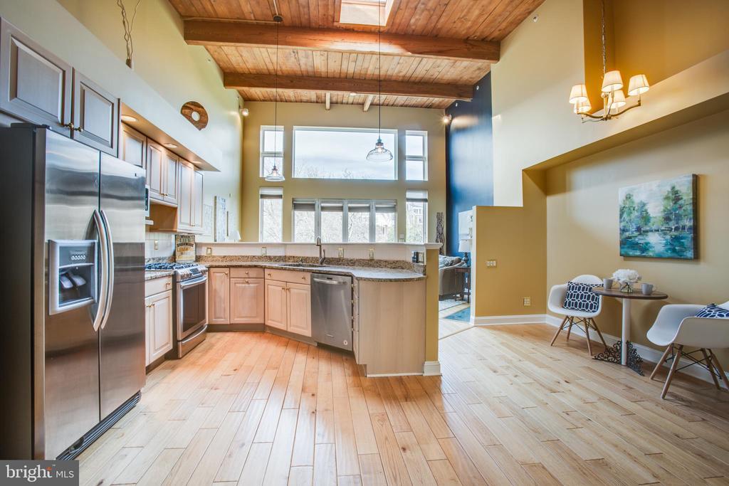 Wonderful kitchen & Breakfast area - 717 KENMORE AVE, FREDERICKSBURG
