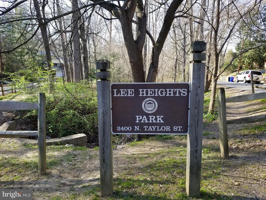 Lee Heights Park - 2259 N WAKEFIELD ST, ARLINGTON