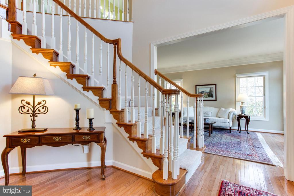 Hardwoods on Main Level - 47297 OX BOW CIR, STERLING