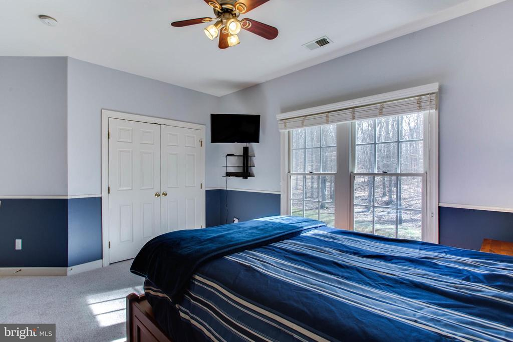 Bedroom #3 w/ New Carpet - 47297 OX BOW CIR, STERLING