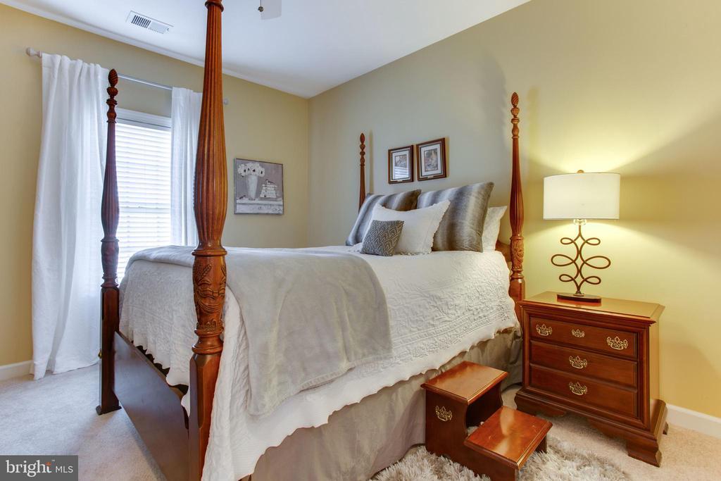 Bedroom #4 - 47297 OX BOW CIR, STERLING