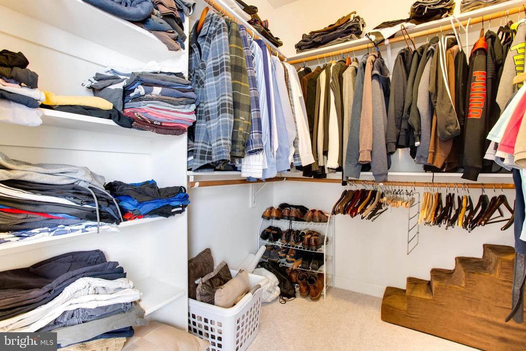 Spacious SECOND Walk-In Closet - 47297 OX BOW CIR, STERLING