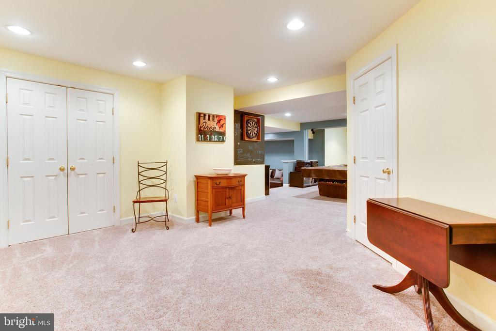Lower Level - 47297 OX BOW CIR, STERLING