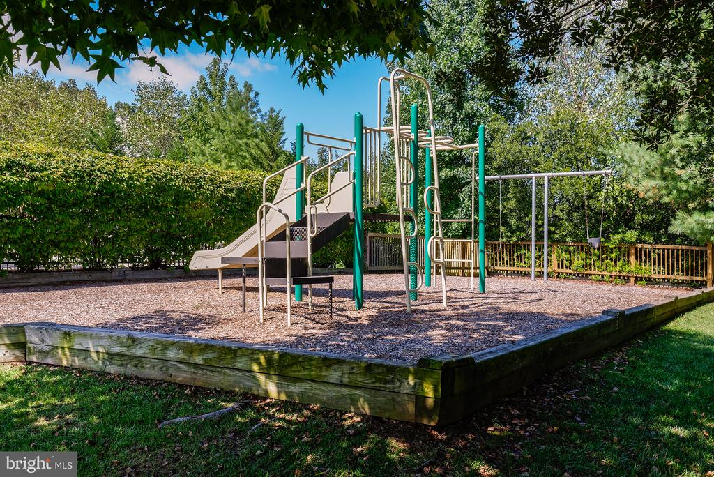 One of 3 Tot Lots - 47297 OX BOW CIR, STERLING