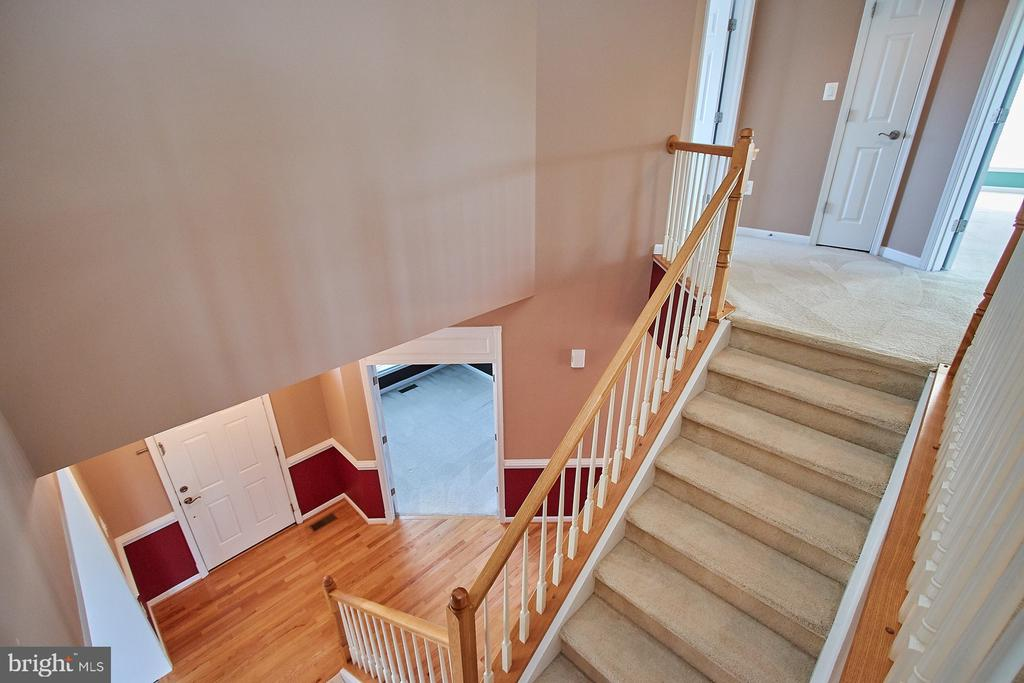 Upper Hallway - 8828 HEPNER CT, BRISTOW