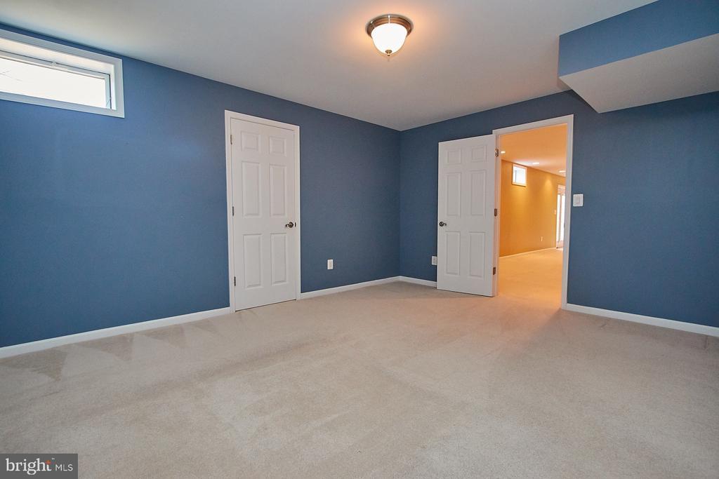 Den/5th bedroom - 8828 HEPNER CT, BRISTOW