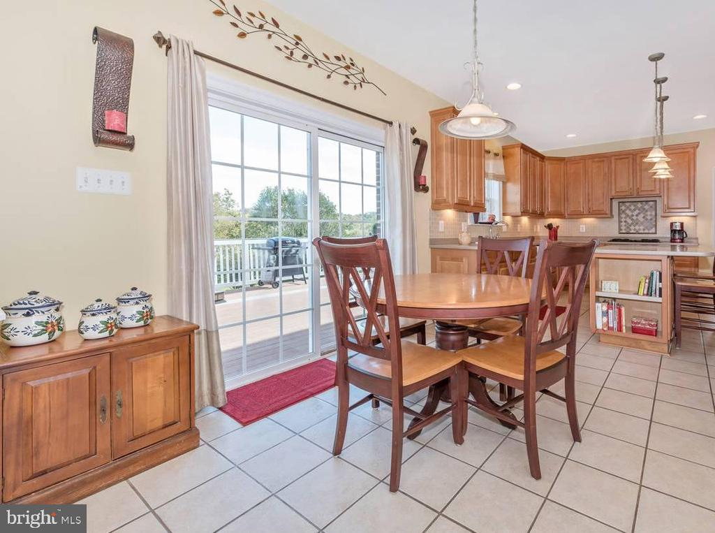 Breakfast Room opens to Deck - 6103 RIVER VIEW CT, FREDERICK