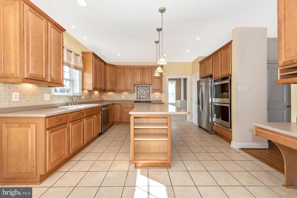 Gourmet Kitchen - 6103 RIVER VIEW CT, FREDERICK