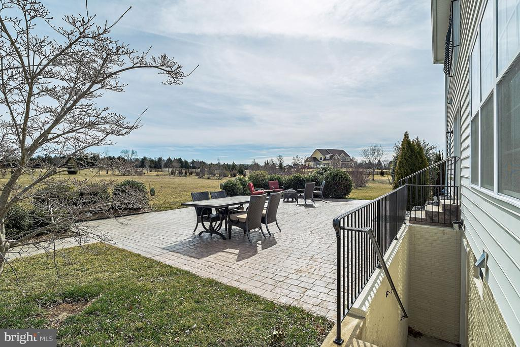 Patio View - 10901 DEER MEADOW CT, NOKESVILLE