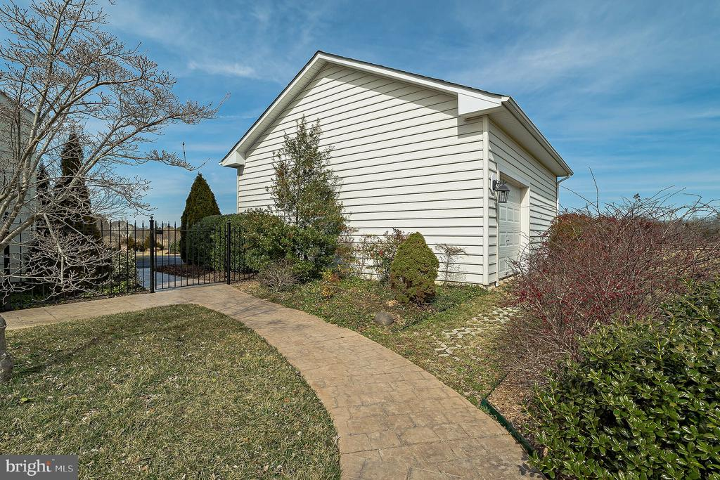 Detached Garage - 3rd Rear Door for access to Yard - 10901 DEER MEADOW CT, NOKESVILLE