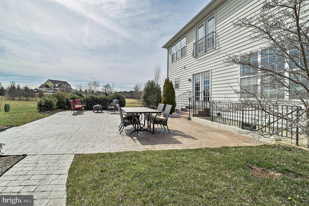 Patio Side View - 10901 DEER MEADOW CT, NOKESVILLE