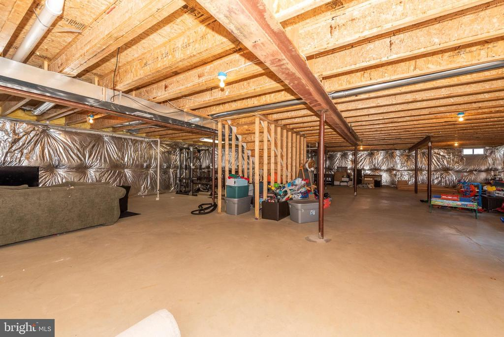 enormous basement--ready to be finished - 703 GLENBROOK DR, MIDDLETOWN