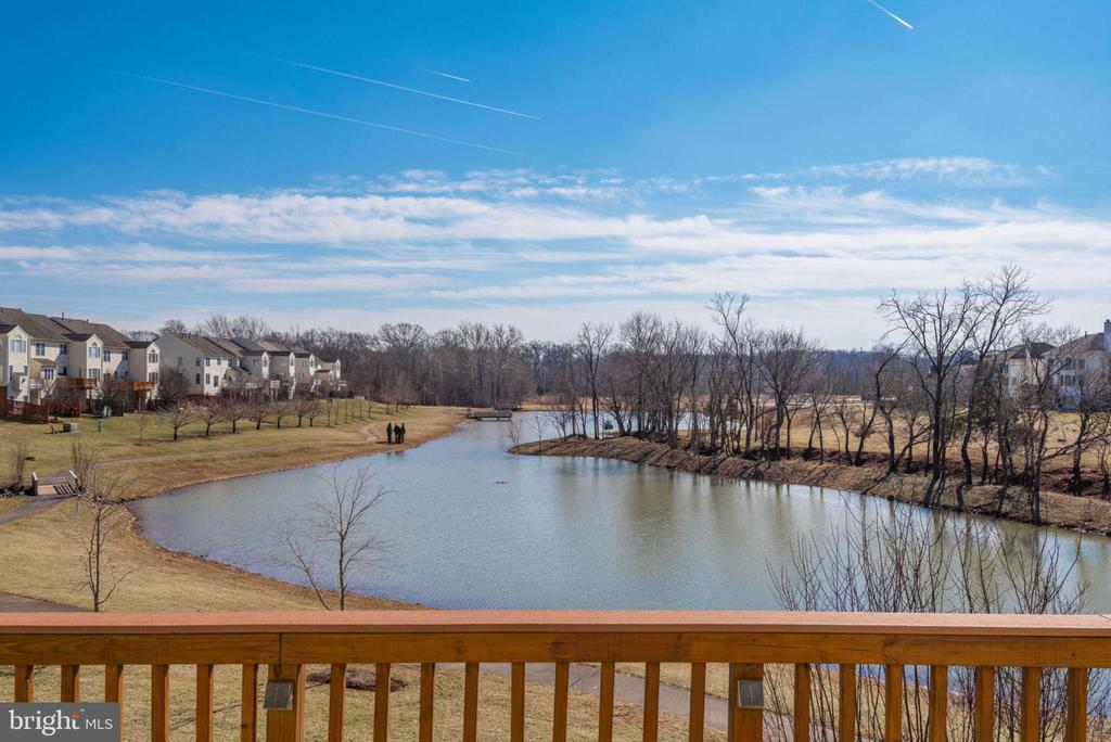 22575  WELBORNE MANOR SQUARE, Ashburn in LOUDOUN County, VA 20148 Home for Sale