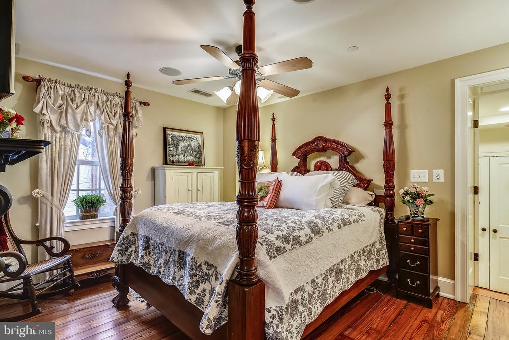 Master bedroom - 320 N PATRICK ST, ALEXANDRIA