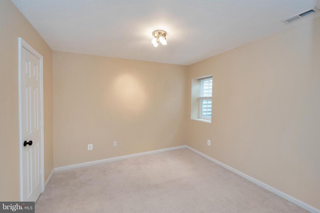 bedroom in basement - 4111 DERBYSHIRE LN, FREDERICKSBURG