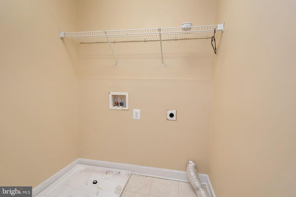 upstairs Laundry room with washer/dryer hook up - 4111 DERBYSHIRE LN, FREDERICKSBURG