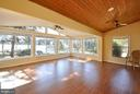 Extras large sunroom/family room - 1351 LAKEVIEW PKWY, LOCUST GROVE