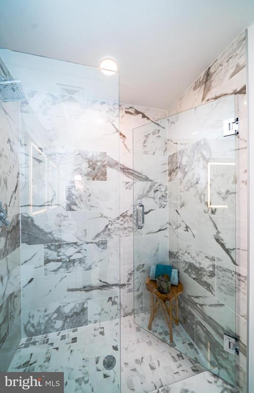 Marble tile - 1245 PIERCE ST N #11, ARLINGTON