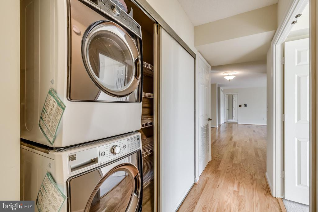 Brand new washer and dryer! - 19385 CYPRESS RIDGE TER #801, LEESBURG