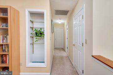 Upper level hallway - 1351 LAKEVIEW PKWY, LOCUST GROVE