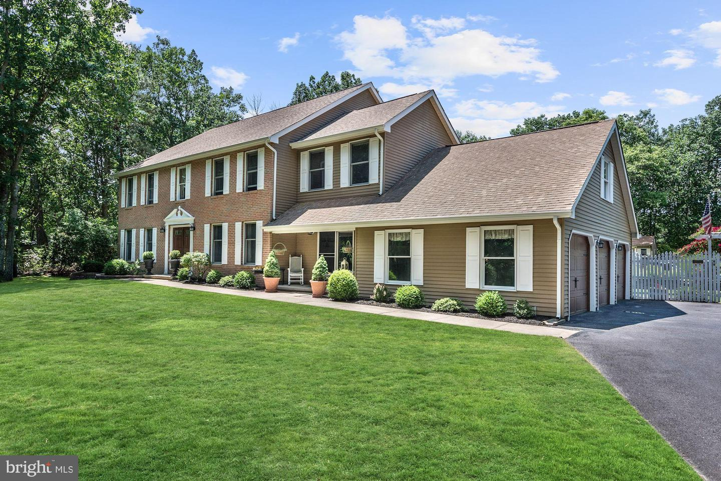 Single Family Home for Sale at Southampton, New Jersey 08088 United States