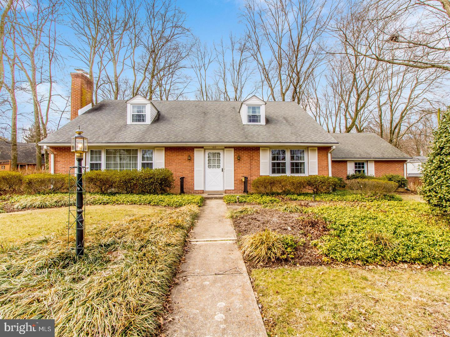 Photo of home for sale at 503 Foulkstone Road, Wilmington DE