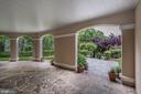 Covered Lanai across the entire home - 886 CHINQUAPIN RD, MCLEAN