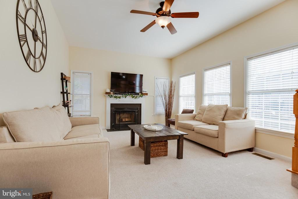 Family Room with Fireplace - 15588 DRYDEN WAY, DUMFRIES