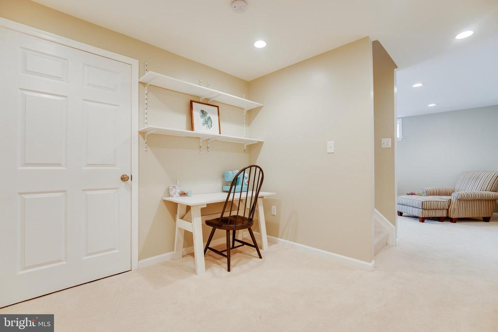 Basement - 15588 DRYDEN WAY, DUMFRIES
