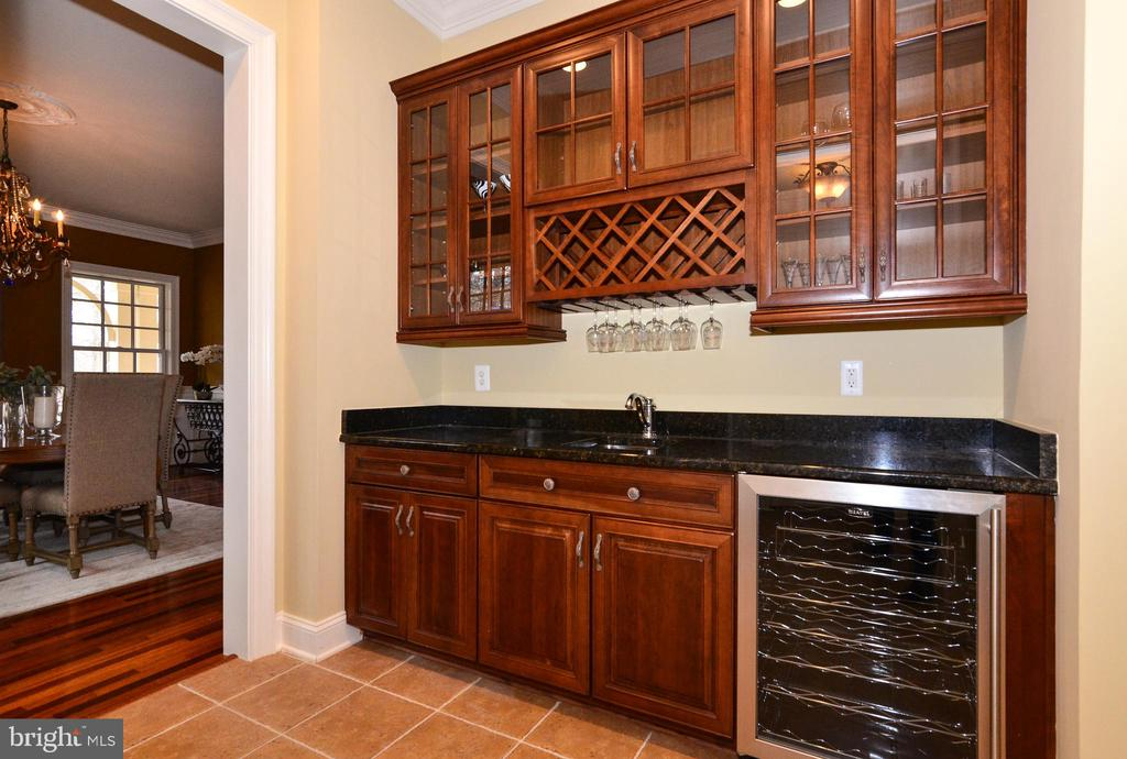 Butler's pantry off of dining room - 12794 YATES FORD ROAD, CLIFTON